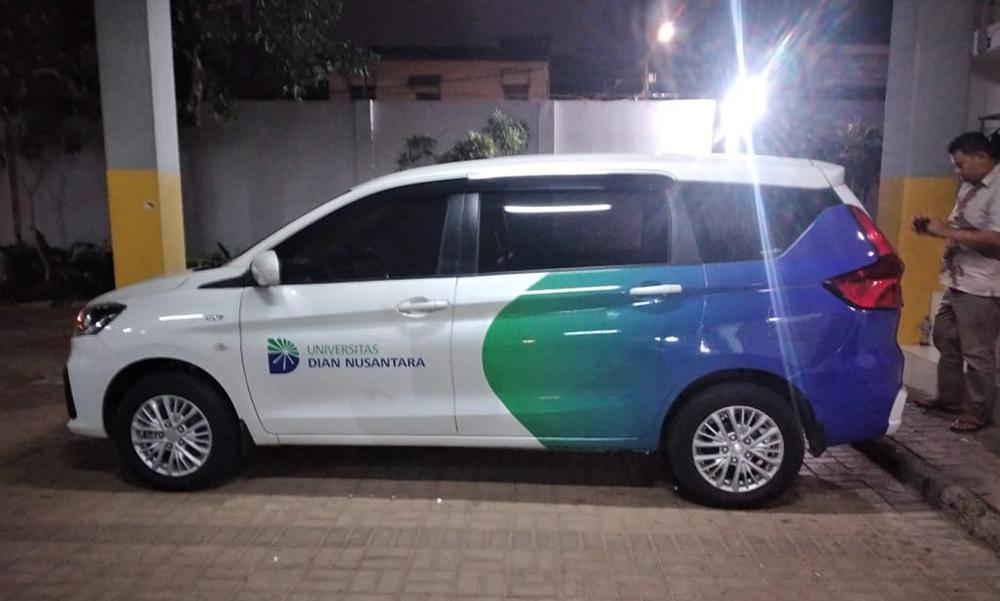 Branding Mobil Universitas UNDIRA
